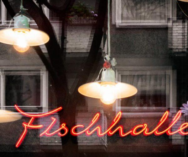 Vintage Industriemöbel Neonleuchtschrift Emaillelampem Loftstyle